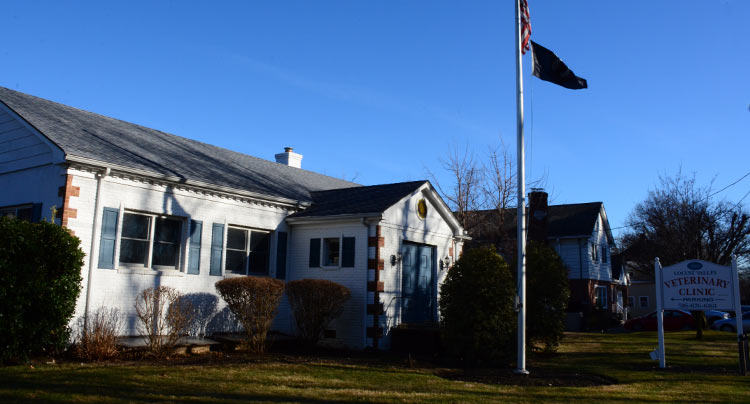 Locust Valley Veterinary Clinic is part of the West Hills Family